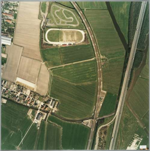 Waypoint 3: Deze wijk heet de Waldijk, dit was deels argrasch gebied en er lag een skelterbaan